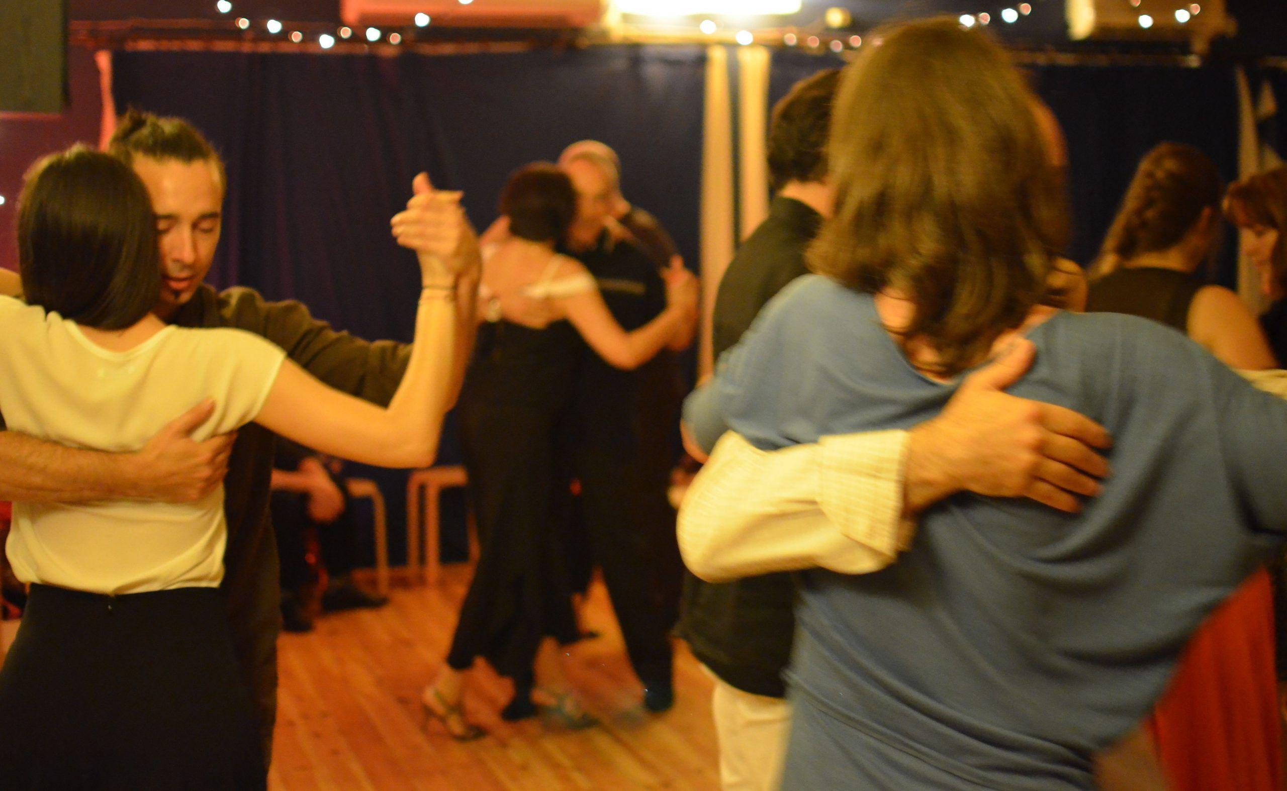 Bailando al son del tango